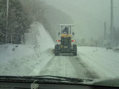F1000362s 大雪が降ったせいで車はいない